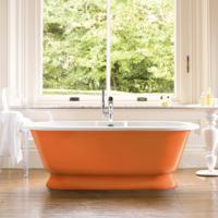 Oranje sanitair voor in de oranje badkamer